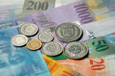Swiss Franc Continues to Decline After Hitting 1-1/2 Month High